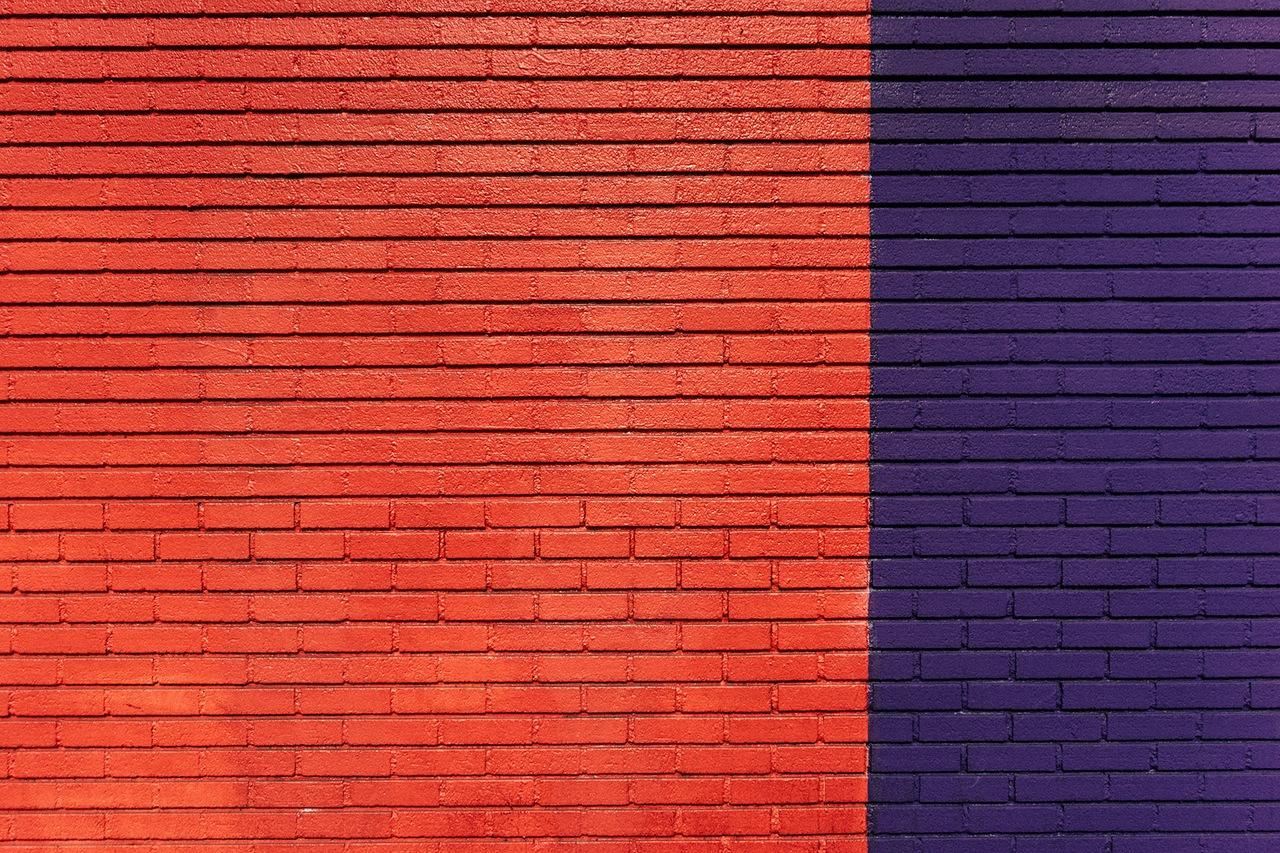 red blue bricks pattern saverlife