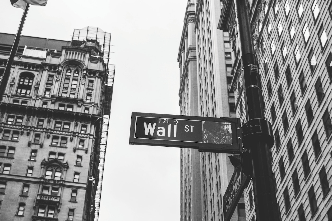 Black and white picture of Wall Street in New York City