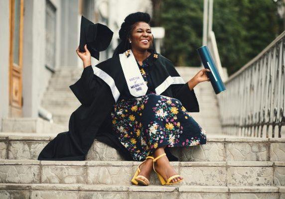 achievement-graduate-graduation-901965